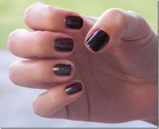 purple manicure